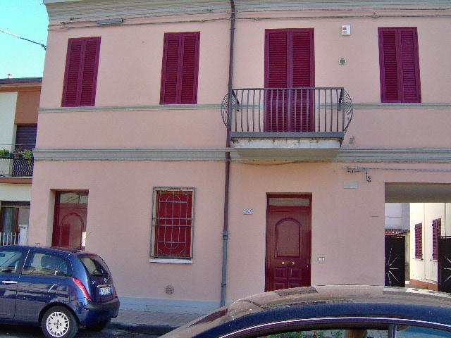 Appartamento in vendita a Portomaggiore, 4 locali, zona Località: Portomaggiore, prezzo € 130.000 | Cambio Casa.it