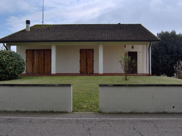Soluzione Indipendente in vendita a Argenta, 8 locali, prezzo € 195.000 | Cambio Casa.it