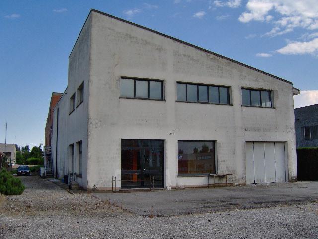 Magazzino in vendita a Portomaggiore, 9999 locali, zona Località: Portomaggiore, prezzo € 350.000 | Cambio Casa.it