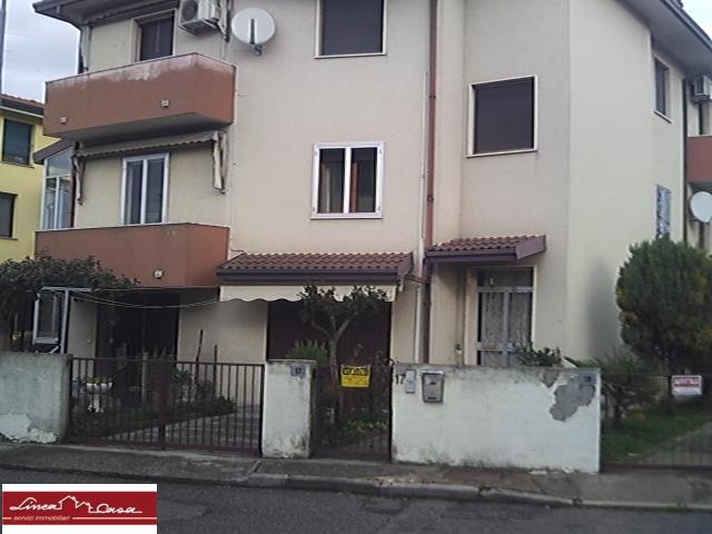 Appartamento in vendita a Portomaggiore, 6 locali, zona Località: Portomaggiore, prezzo € 90.000 | Cambio Casa.it