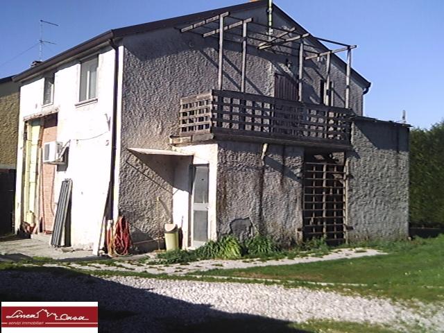 Soluzione Indipendente in vendita a Argenta, 5 locali, zona Zona: Consandolo, prezzo € 70.000 | Cambio Casa.it