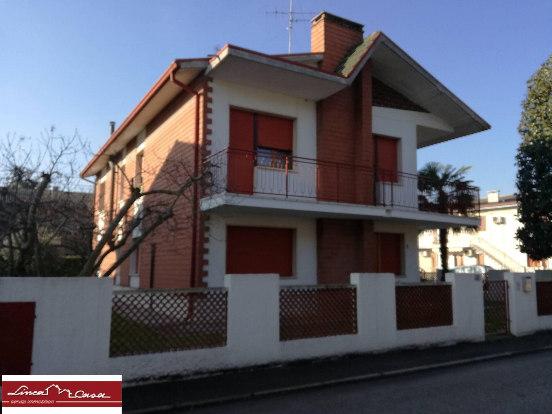 Appartamento in affitto a Portomaggiore, 4 locali, zona Località: Portomaggiore, prezzo € 380 | Cambio Casa.it