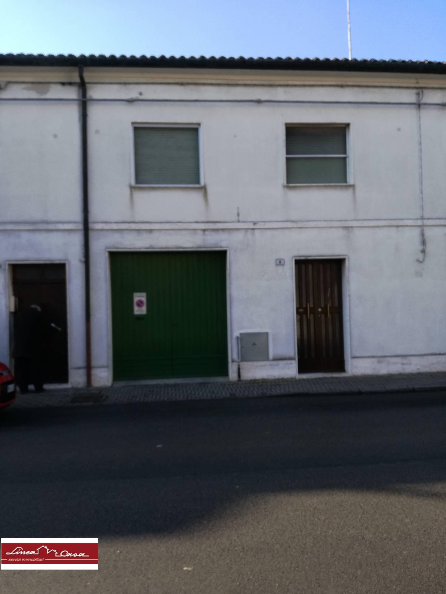 Appartamento in affitto a Portomaggiore, 4 locali, zona Località: Portomaggiore, prezzo € 400 | Cambio Casa.it