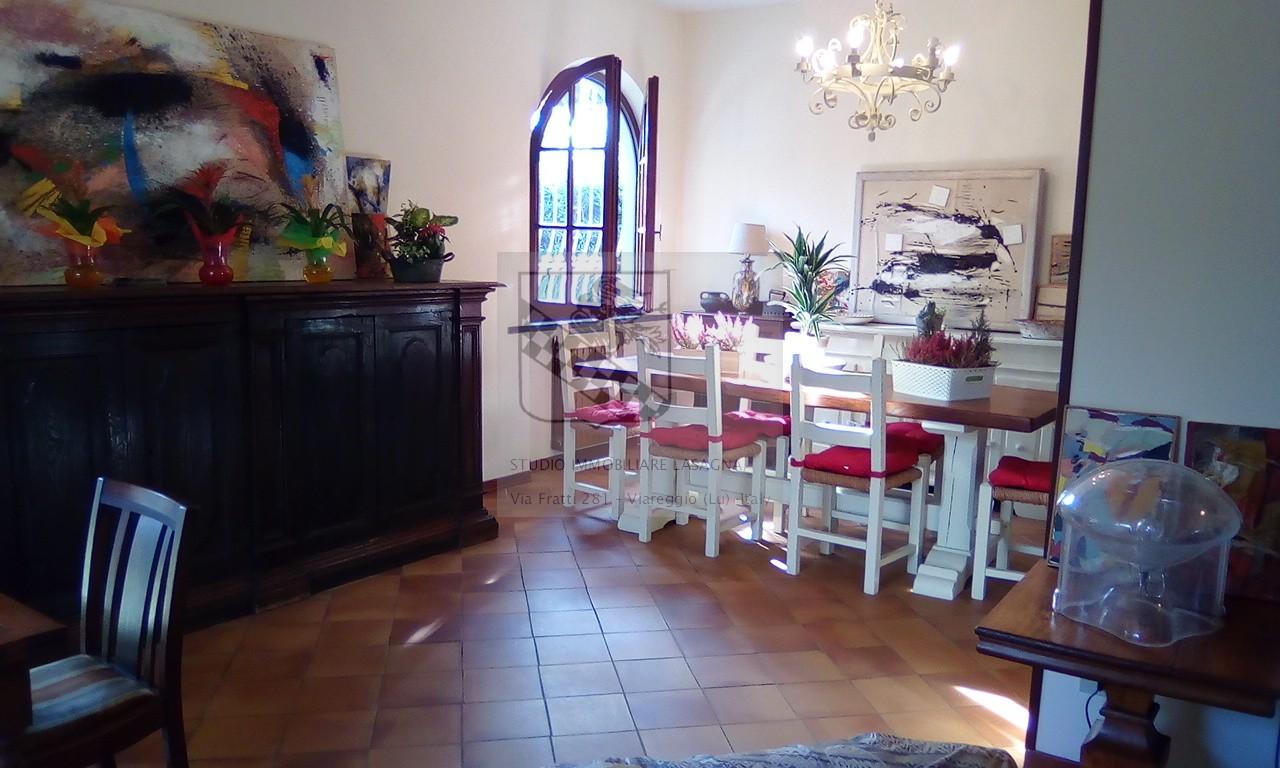 Villa in Vendita a Forte Dei Marmi: 5 locali, 200 mq - Foto 3