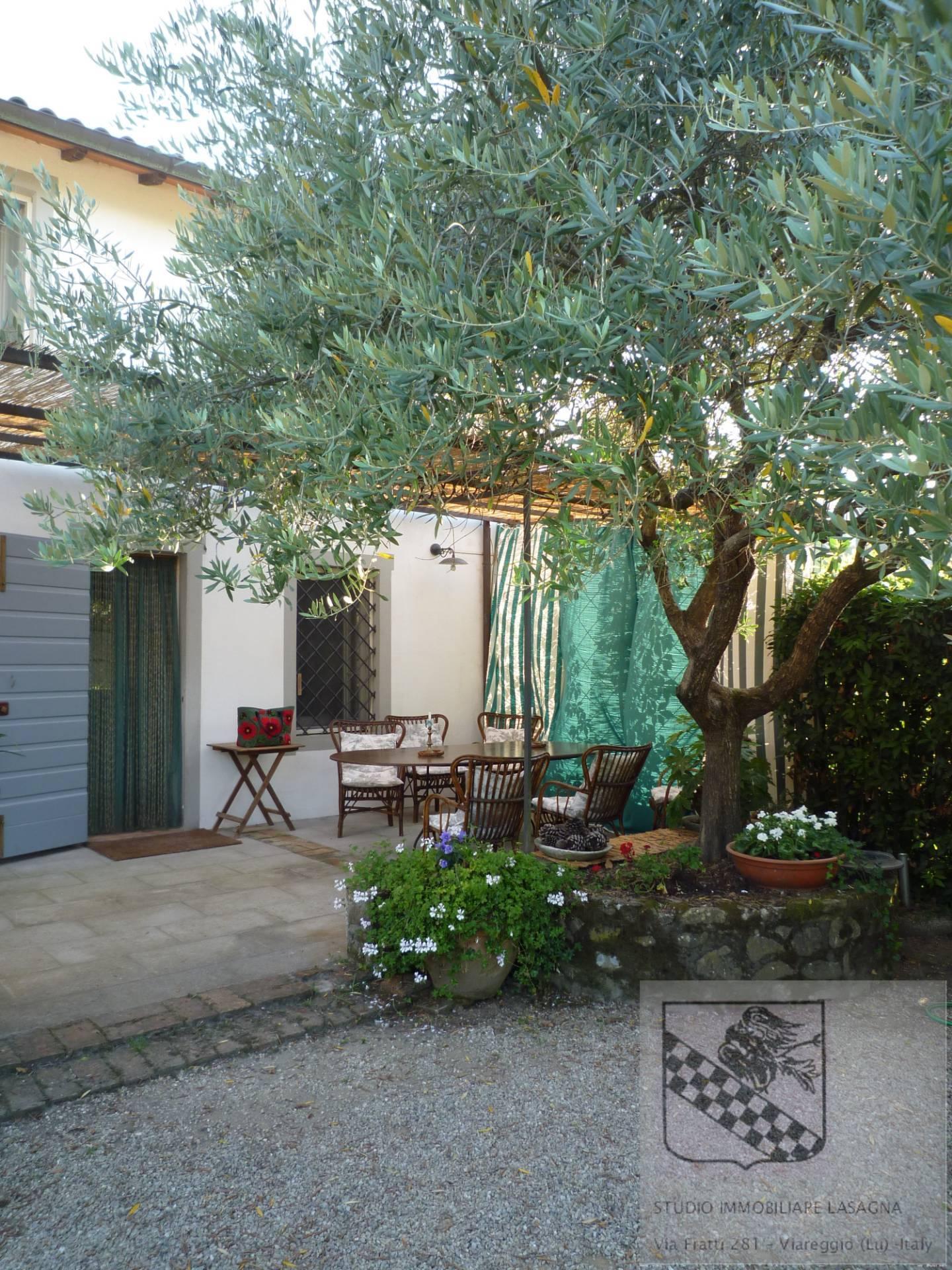 Villa in Vendita a Camaiore: 5 locali, 120 mq - Foto 8