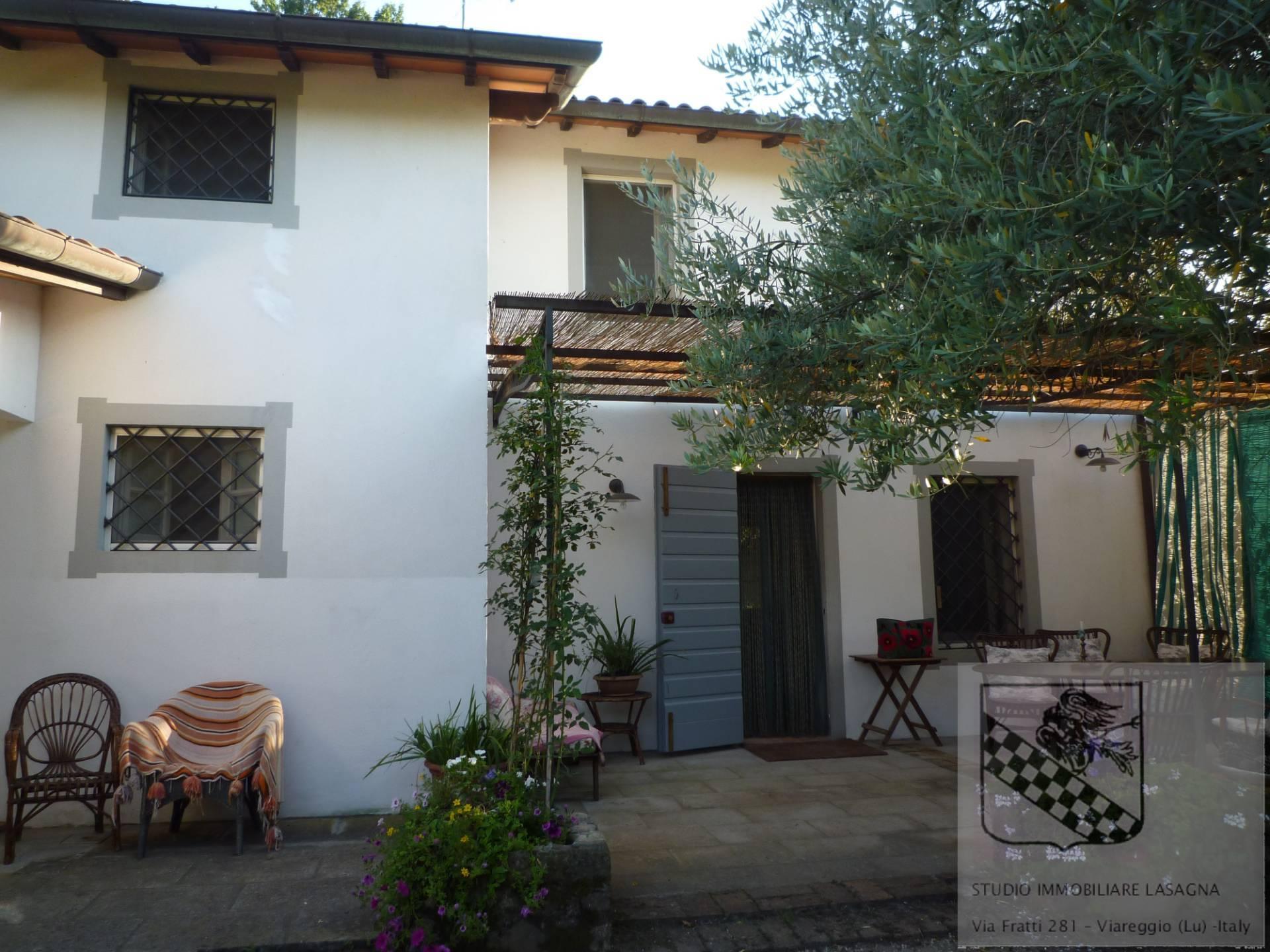 Villa in Vendita a Camaiore: 5 locali, 120 mq - Foto 5