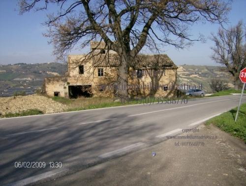 Rustico / Casale in vendita a Acquaviva Picena, 1 locali, zona Zona: Quercia, prezzo € 180.000 | Cambio Casa.it