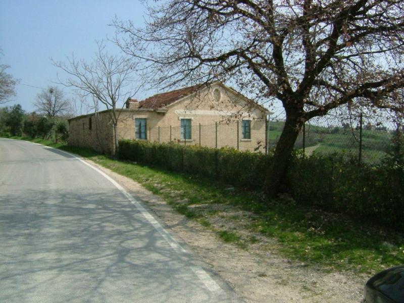 Rustico / Casale in vendita a Acquaviva Picena, 1 locali, prezzo € 250.000 | CambioCasa.it