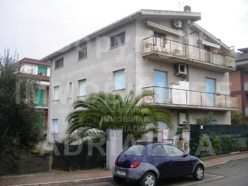 Appartamento in affitto a Grottammare, 3 locali, prezzo € 180.000 | CambioCasa.it