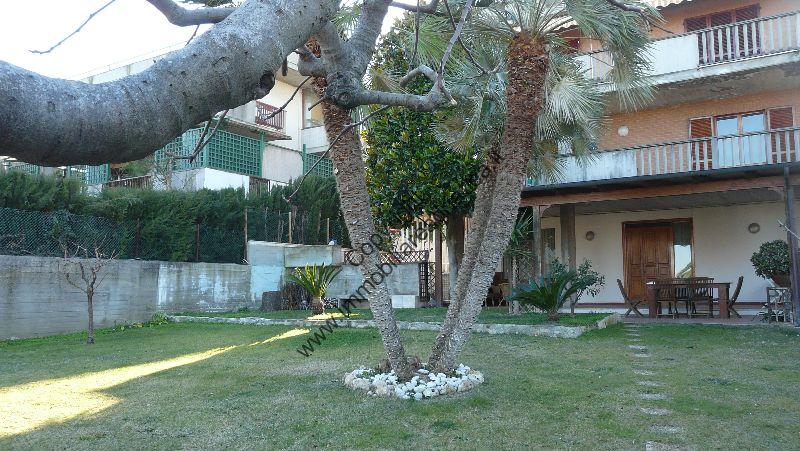 Villa in vendita a Grottammare, 17 locali, Trattative riservate | Cambio Casa.it