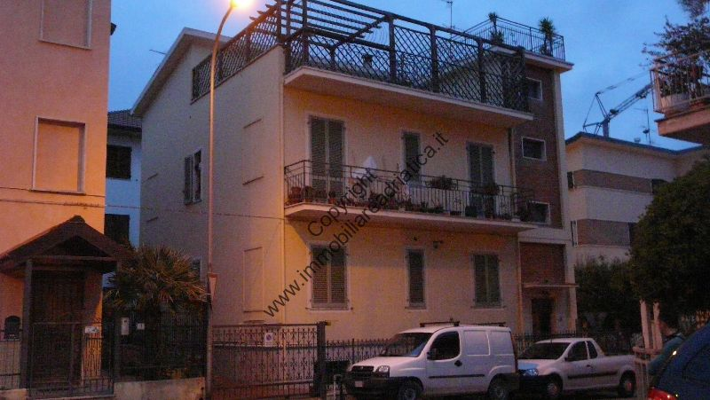 Soluzione Indipendente in vendita a San Benedetto del Tronto, 9 locali, prezzo € 500.000 | Cambio Casa.it