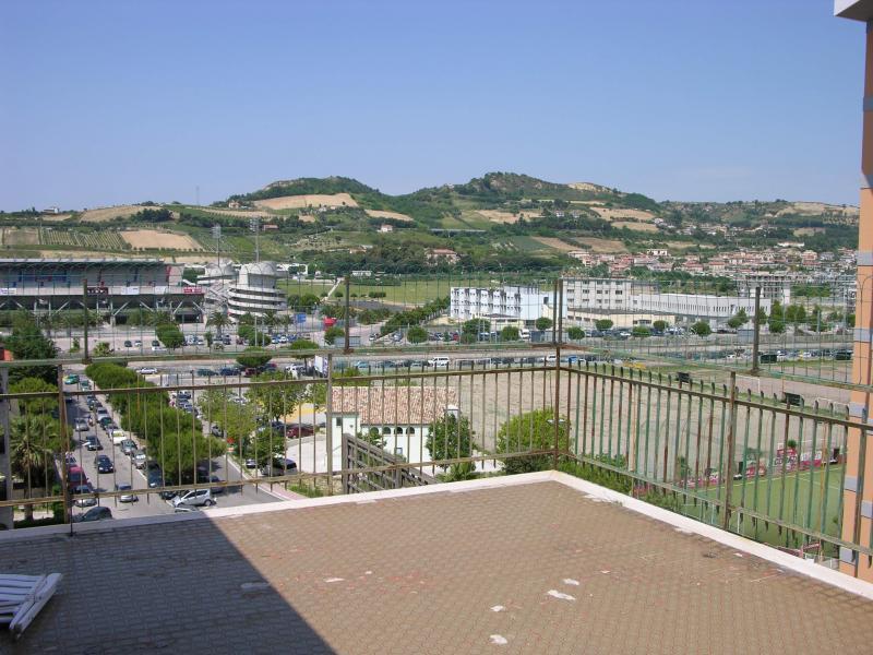 Attico / Mansarda in vendita a San Benedetto del Tronto, 6 locali, Trattative riservate | CambioCasa.it