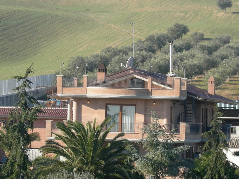 Villa vendita MARTINSICURO (TE) - 7 LOCALI - 270 MQ