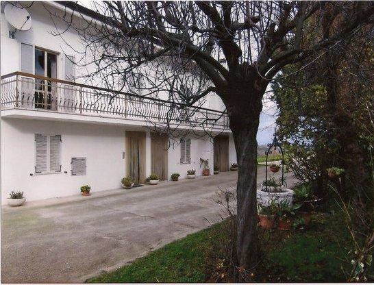 Soluzione Indipendente in vendita a Montegiorgio, 6 locali, Trattative riservate | Cambio Casa.it