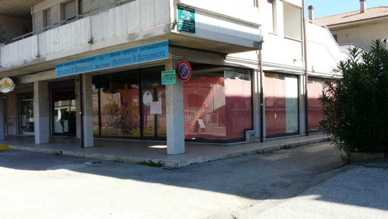 Negozio / Locale in Vendita a Martinsicuro