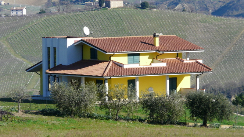Soluzione Indipendente in vendita a Offida, 8 locali, prezzo € 500.000 | CambioCasa.it