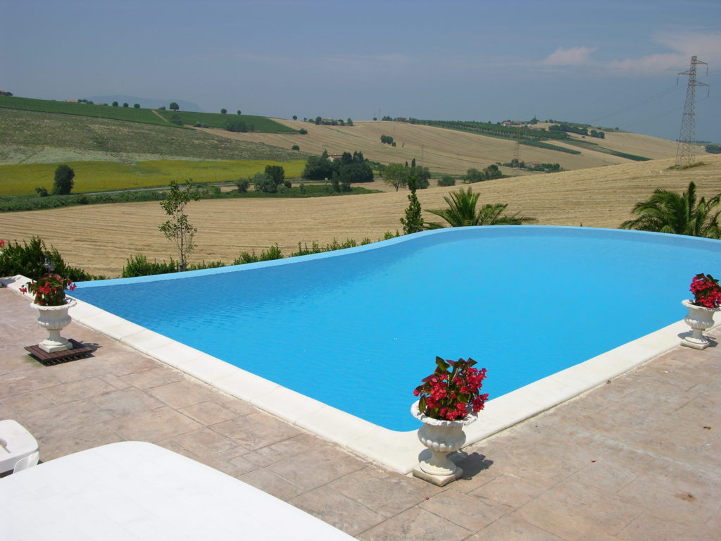 Villa in vendita a Porto Recanati, 7 locali, zona Località: QuartiereNord-Scossicci, Trattative riservate | Cambio Casa.it