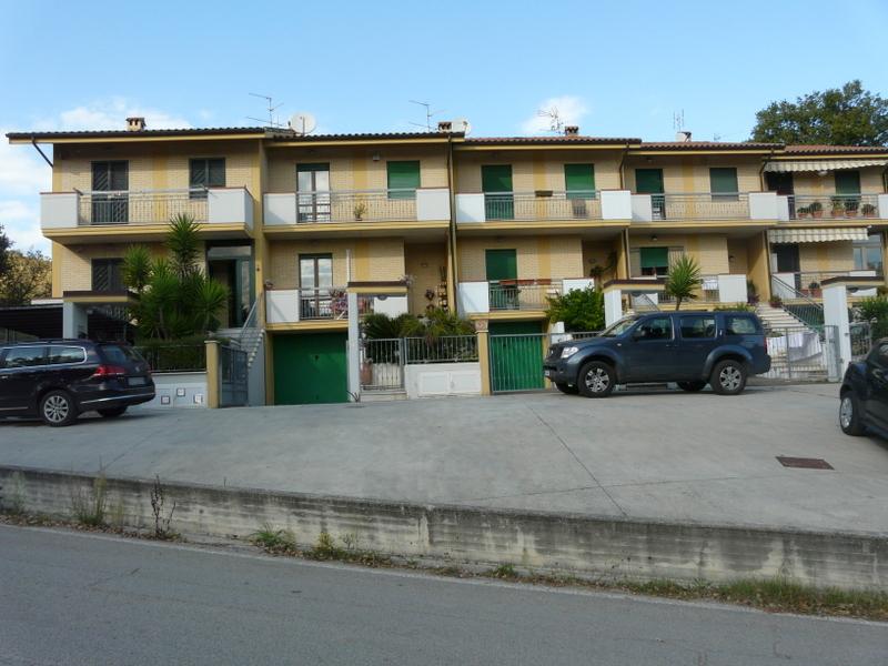 Villa a Schiera in vendita a Cossignano, 5 locali, prezzo € 195.000 | Cambio Casa.it