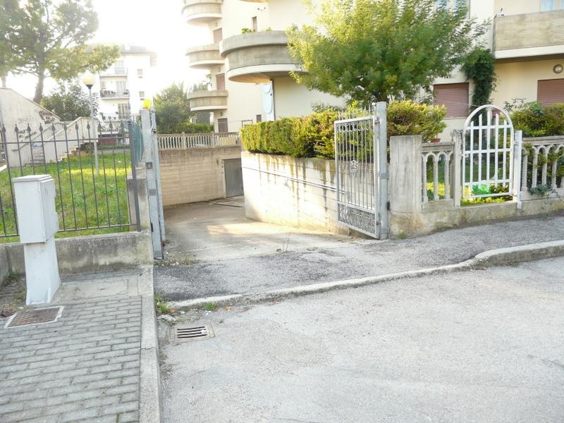 Appartamento in vendita a Monsampolo del Tronto, 5 locali, zona Località: StelladiMonsampolo, prezzo € 100.000 | Cambio Casa.it