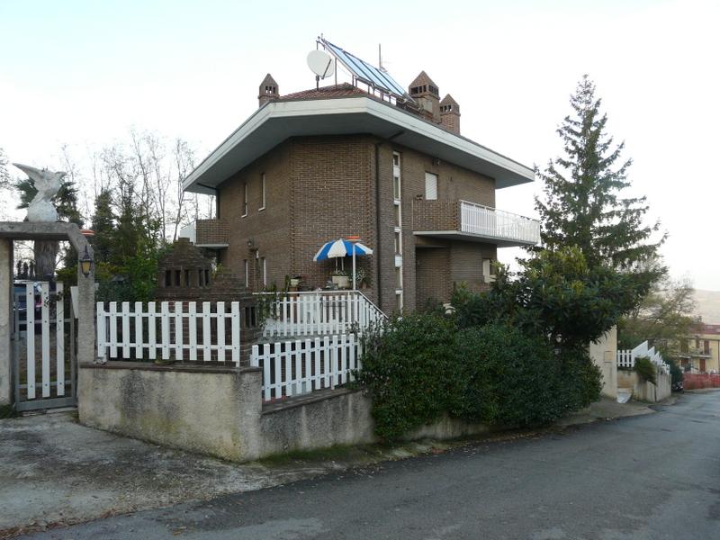 Villa in vendita a Acquaviva Picena, 9 locali, prezzo € 650.000 | CambioCasa.it