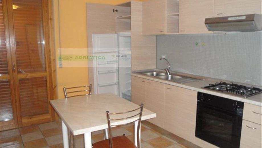 Appartamento in vendita a Offida, 2 locali, prezzo € 50.000 | Cambio Casa.it