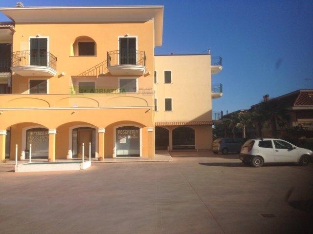 Negozio / Locale in affitto a Cupra Marittima, 9999 locali, prezzo € 600 | Cambio Casa.it