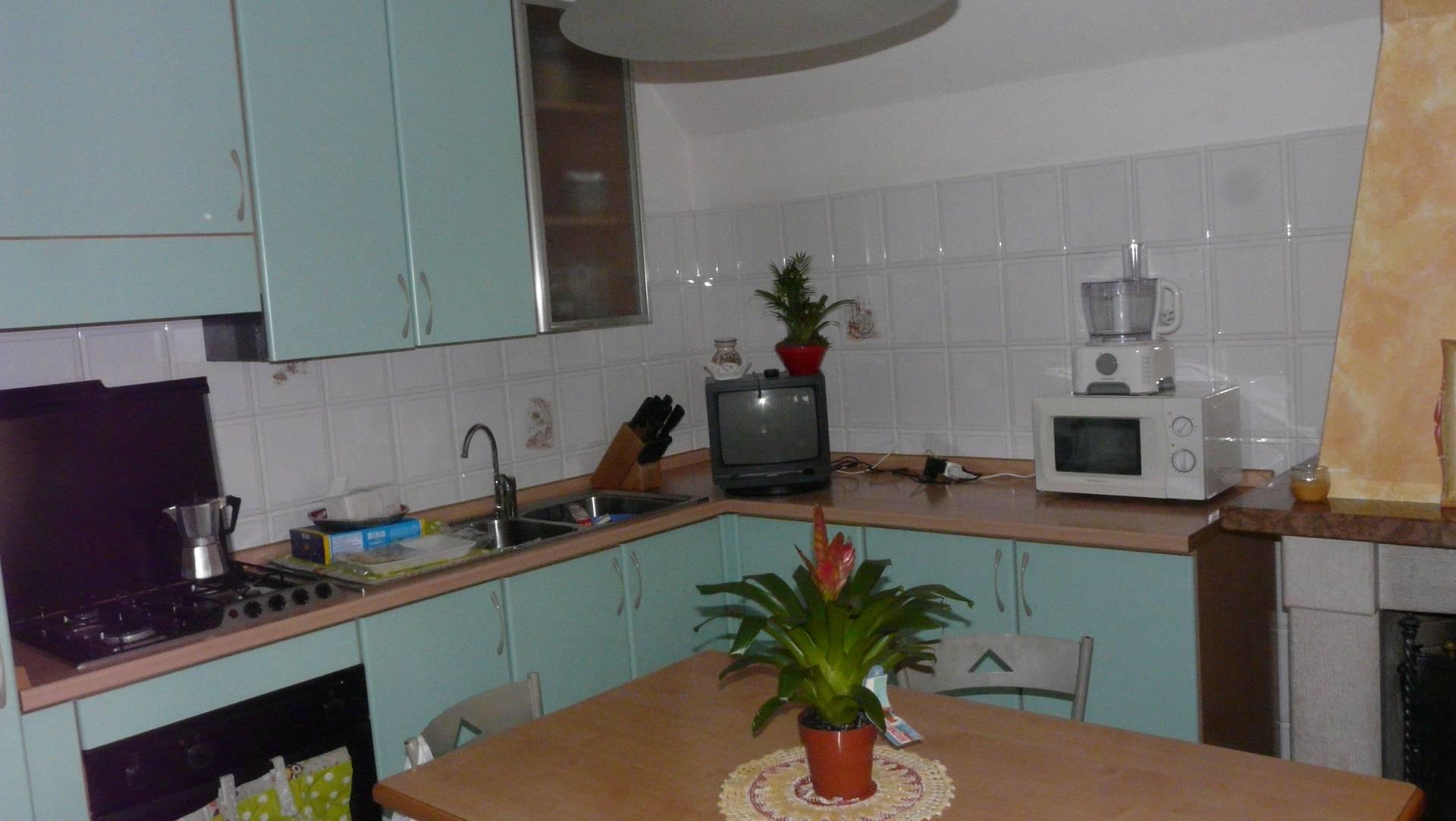 Appartamento in vendita a Grottammare, 5 locali, prezzo € 180.000   CambioCasa.it