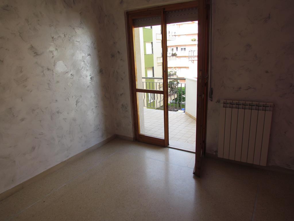 Bilocale Pietra Ligure Viale Della Repubblica 3