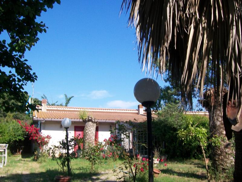 Soluzione Indipendente in vendita a Latina, 5 locali, zona Località: BorgoS.aMaria, prezzo € 250.000 | Cambio Casa.it