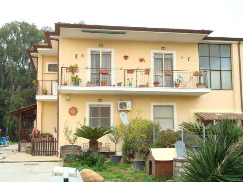 Villa in vendita a Latina, 5 locali, zona Località: BorgoSanMichele, prezzo € 190.000 | CambioCasa.it