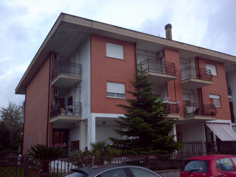 Appartamento in vendita a Sabaudia, 4 locali, zona Località: SanDonato, prezzo € 120.000 | CambioCasa.it