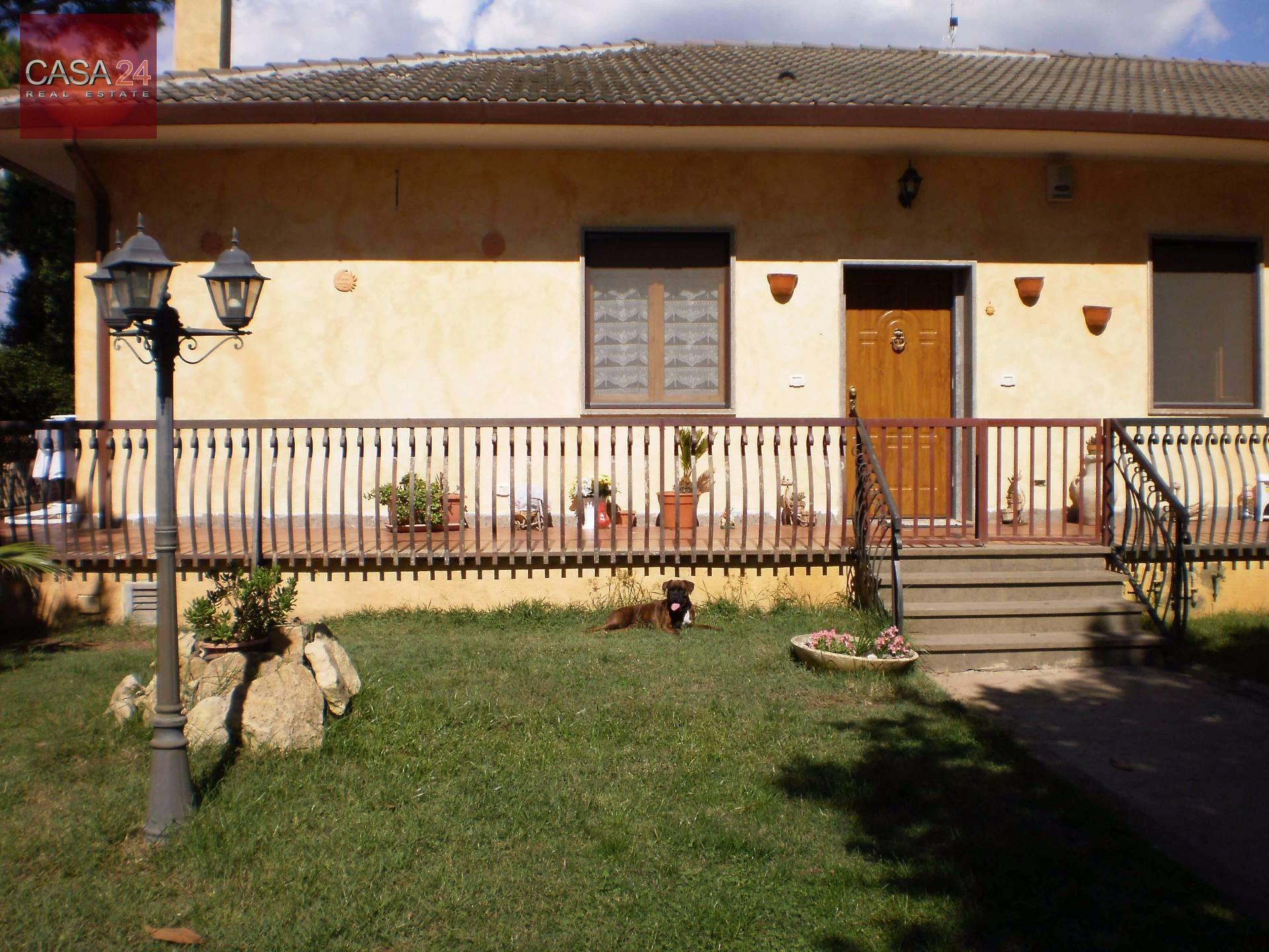 Villa in vendita a Latina, 5 locali, zona Località: BorgoSabotino, prezzo € 195.000   CambioCasa.it
