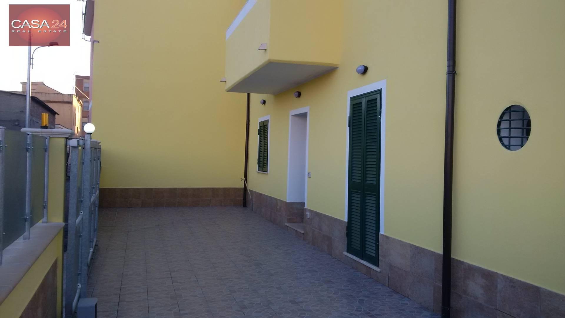 Appartamento in vendita a Latina, 4 locali, zona Località: R7ZonaCampoBoario, prezzo € 150.000   Cambio Casa.it