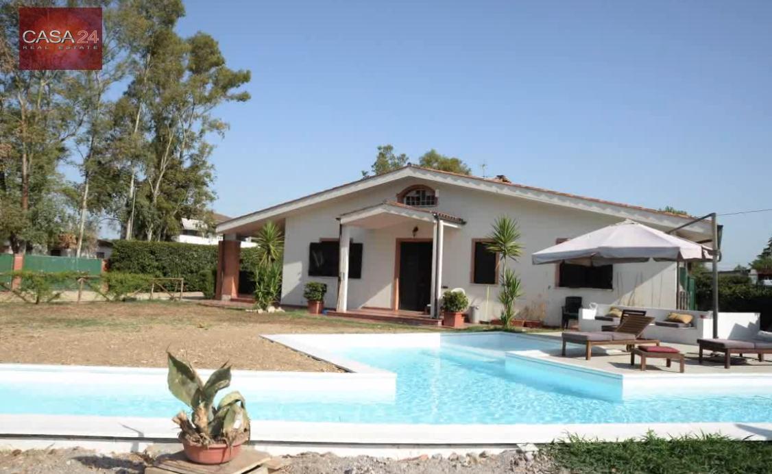 Villa in affitto a Latina, 5 locali, zona Località: R5ZonaExSVar, prezzo € 1.300 | CambioCasa.it