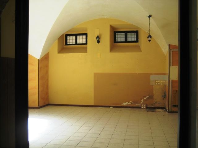 Negozio / Locale in affitto a Penne, 9999 locali, prezzo € 650 | CambioCasa.it