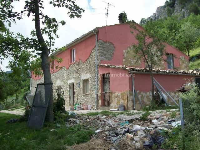 Villa Bifamiliare in vendita a Villa Celiera, 9 locali, prezzo € 135.000 | Cambio Casa.it