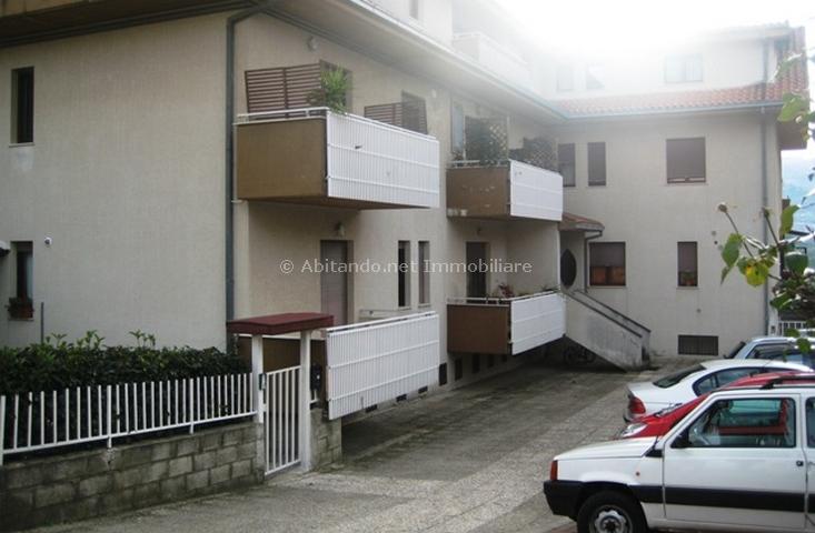 Appartamento in vendita a Penne, 5 locali, prezzo € 125.000 | Cambio Casa.it