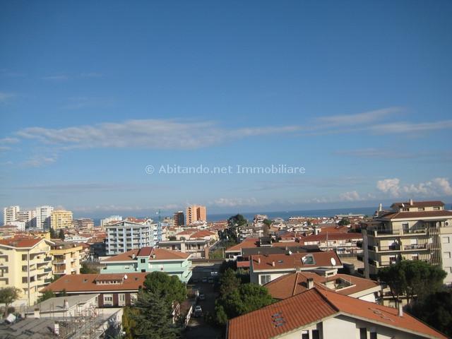 Attico / Mansarda in vendita a Montesilvano, 4 locali, prezzo € 185.000 | CambioCasa.it