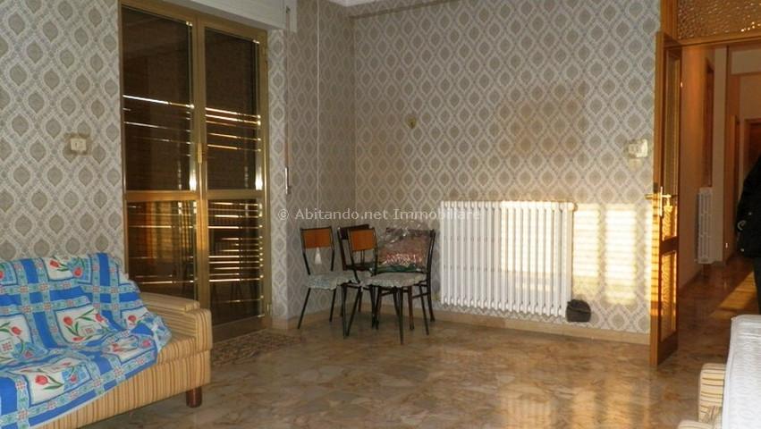 Appartamento in vendita a Penne, 4 locali, prezzo € 110.000 | Cambio Casa.it