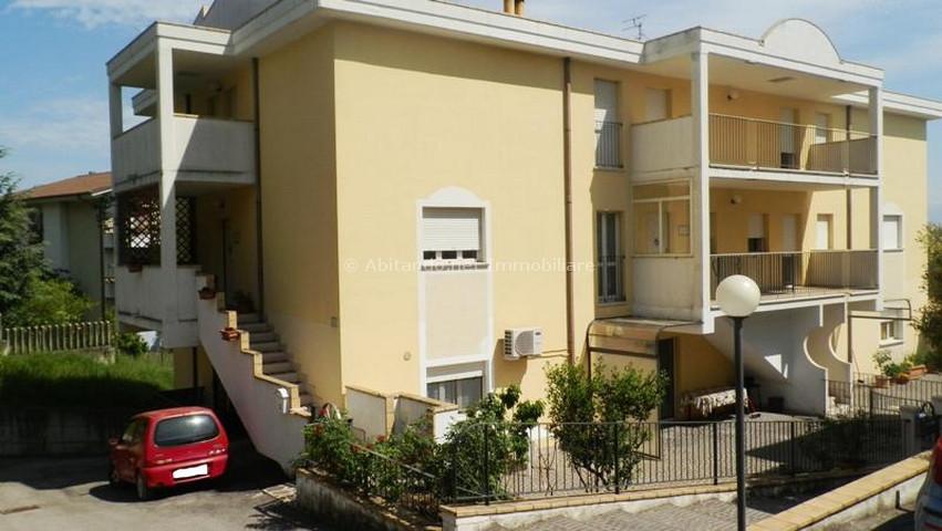 Soluzione Semindipendente in vendita a Penne, 5 locali, prezzo € 128.000   Cambio Casa.it