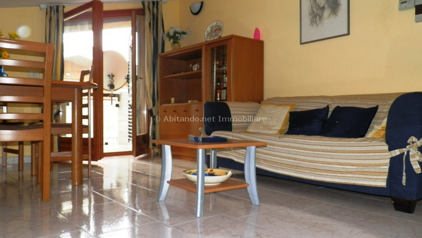 Appartamento in vendita a Silvi, 4 locali, prezzo € 100.000 | Cambio Casa.it