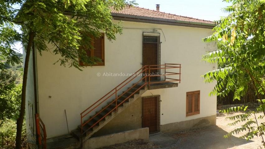 Soluzione Indipendente in vendita a Collecorvino, 4 locali, prezzo € 70.000 | Cambio Casa.it