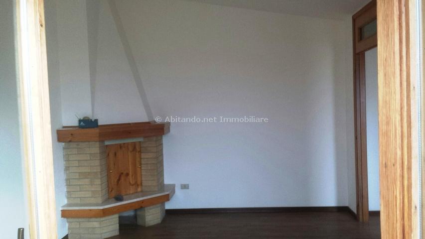 Appartamento in vendita a Penne, 4 locali, prezzo € 52.000 | Cambio Casa.it