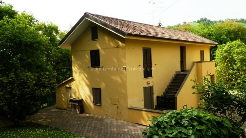 Soluzione Indipendente in vendita a Penne, 7 locali, prezzo € 105.000 | Cambio Casa.it
