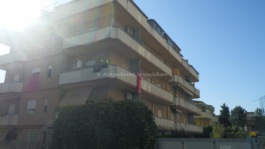 Appartamento in vendita a Montesilvano, 4 locali, prezzo € 75.000   Cambio Casa.it