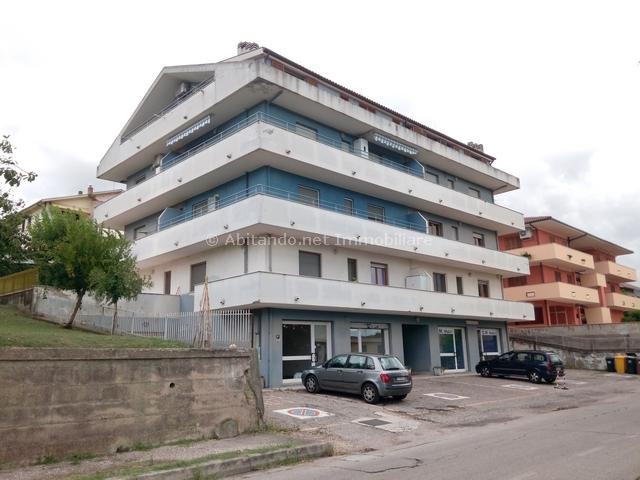 Appartamento in vendita a Penne, 5 locali, zona Località: LocalitàPortacaldaia, prezzo € 120.000 | CambioCasa.it