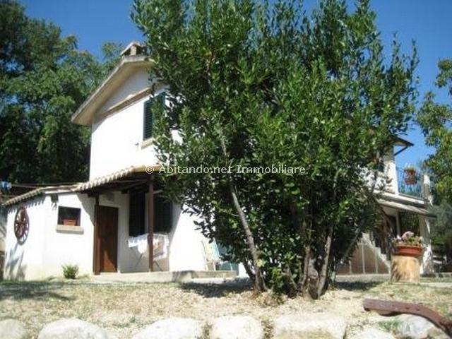 Soluzione Indipendente in vendita a Penne, 4 locali, prezzo € 139.000 | Cambio Casa.it