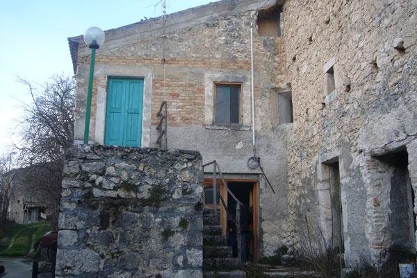 Rustico / Casale in vendita a Caramanico Terme, 5 locali, zona Zona: Canale, prezzo € 60.000 | Cambio Casa.it