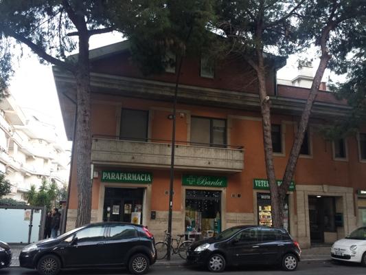 Negozio / Locale in vendita a Pescara, 9999 locali, zona Località: PortaNuova, prezzo € 405.000 | Cambio Casa.it