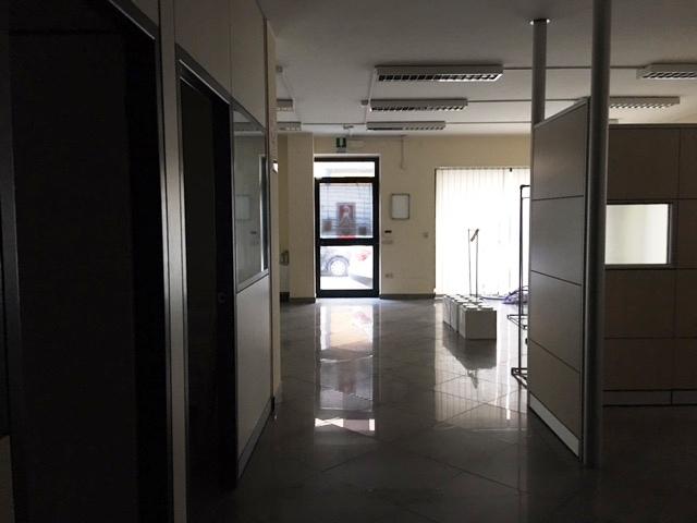 Negozio / Locale in vendita a Pescara, 9999 locali, zona Zona: Centro, prezzo € 515.000 | Cambio Casa.it